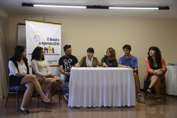 Representantes de organizações da sociedade civil de todo o país reúnem-se para dar continuidade ao debate sobre governança, implementação e monitoramento da Agenda Pós-2015Fonte: Elza Fiúza/Agência Brasil