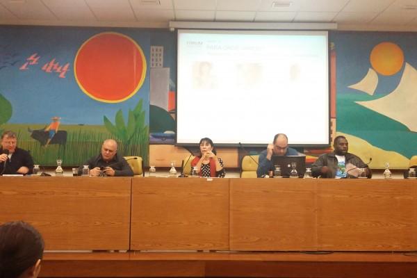 """Painel """"Perspectiva de Futuro"""". Da esquerda para a direita: Jacques Demajorovic, Rodrigo Sabatini, Elisabeth Grimberg, Daniel Carvalho e Eduardo Ferreira"""