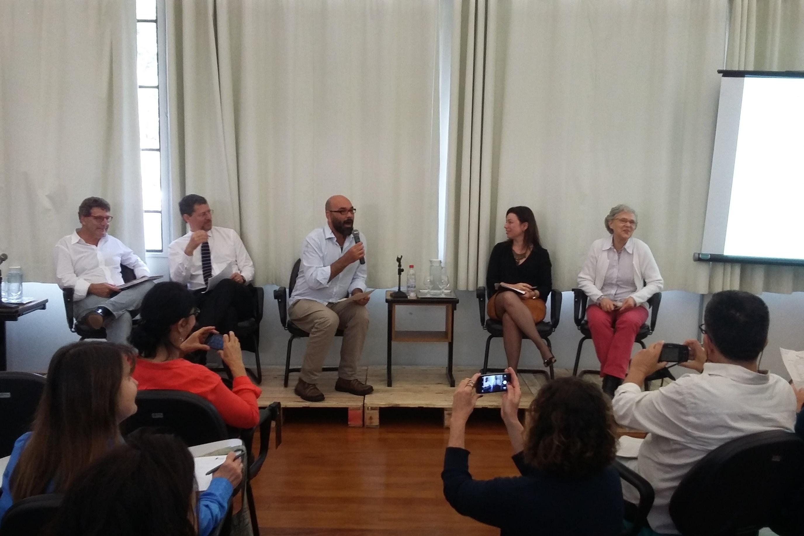 Da esquerda para a direita: Vereador Nabil Bonduki, Dr. Wladimir Ribeiro, Jetro Menezes, Dra. Alexandra Faccioli, Nina Orlow