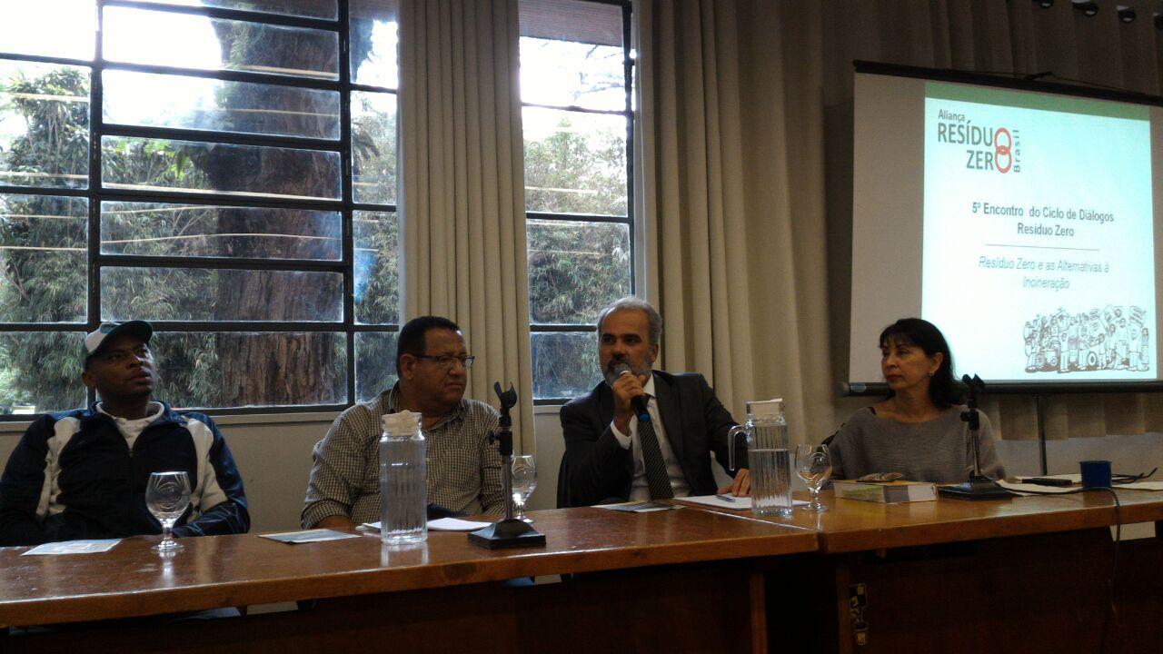 Da esquerda para a direita: Roberval Prates Reis, Luciano Marcos, Paulo Alvarenga, Elisabeth Grimberg